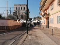 Via Picenna Locale C2  €700 mensili