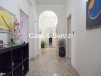 Trilocale Via Picenna Locato €180 mila