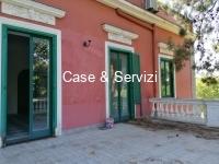 Appartamento con terrazzo  in Villa- Via P. Togliatti